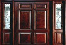 usi de interior din lemn