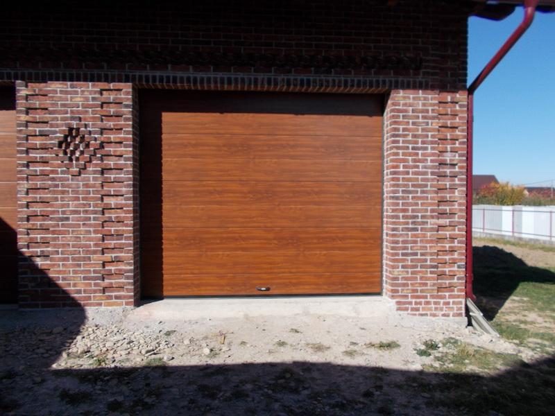 usi de garaj sectionale Suceava