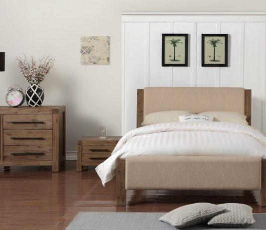 mobila dormitor din lemn masiv la comanda