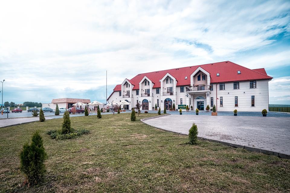 The Frontier Hotel Restaurant Cazare Siret Suceava