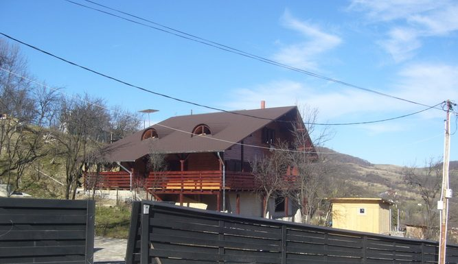 Case din lemn Suceava
