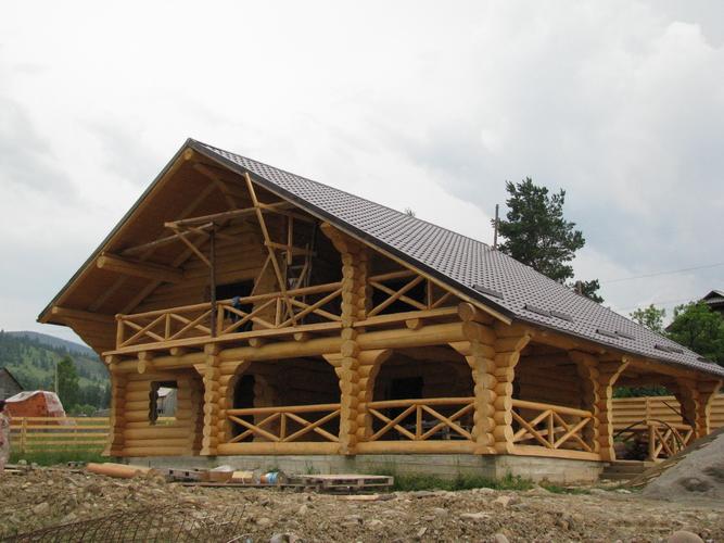 case-din-lemn-mare